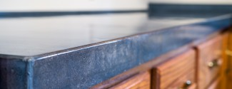molded-stone-countertop-blue-detail